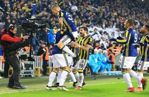 Fenerbahçe şampiyonlukta 'Varım' dedi...