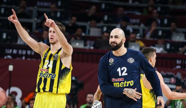 Fenerbahçe potada tarih yazmak istiyor