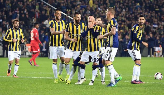 Fenerbahçe performansıyla göz dolduruyor