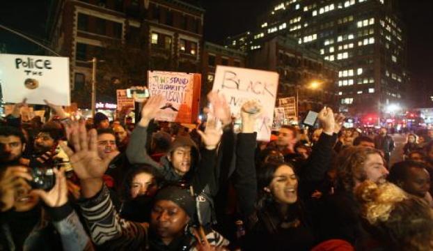 """ABDde """"Ferguson protestoları"""" sürüyor"""