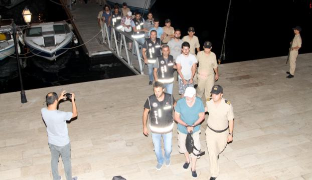 FETÖden aranan 9 kişi Yunan adasına kaçmaya çalışırken yakalandı