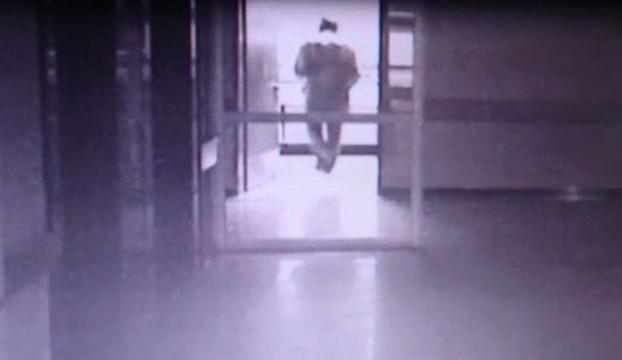 Hastane penceresinden ölüme atladı