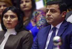 HDP eş genel başkanları Selahattin Demirtaş ve Figen Yüksekdağ tutuklandı