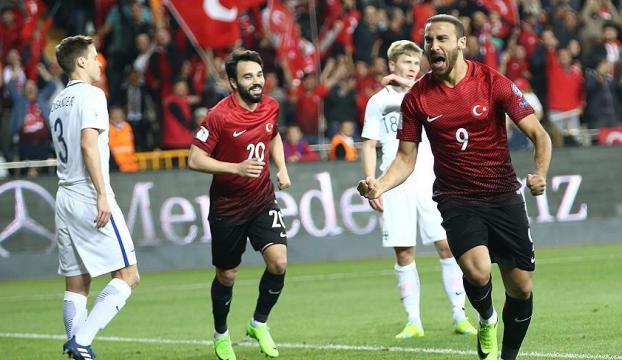 Türkiye, Finlandiyayı iki golle geçti