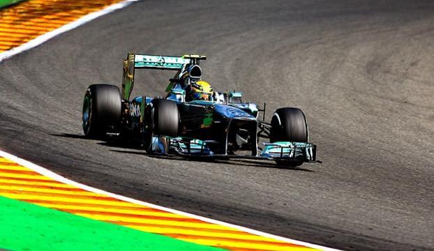 Formula 1de Hamilton ilk sırada