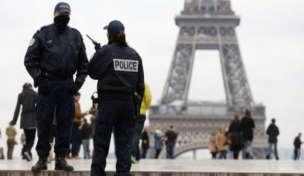 """Fransız yetkiliye """"casusluk şüphesiyle"""" gözaltı"""