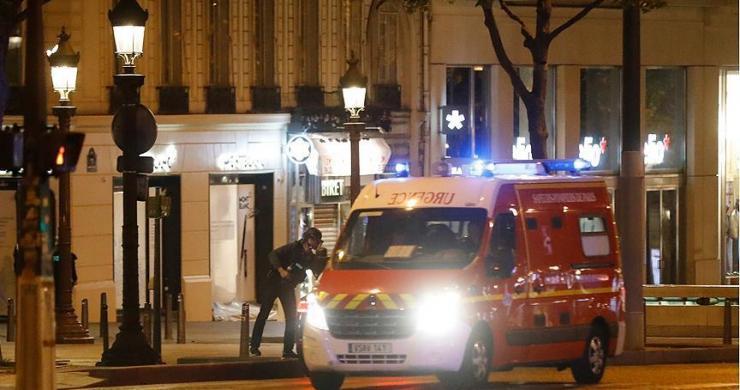 Fransa'nın başkenti Paris'te polise silahlı saldırı!