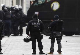 Fransa'da okula saldırı!