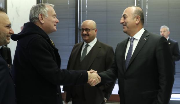 Çavuşoğlu, Fransız mevkidaşı Ayrault ile Suriyeyi görüştü