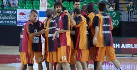 Galatasaray'da bekleyiş sürüyor!