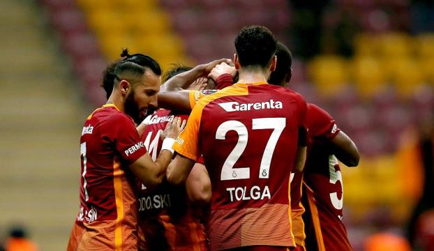 Galatasaray yine son dakikada kurtardı!