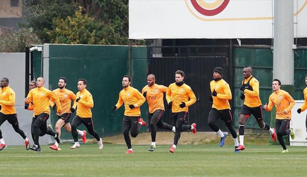 Galatasaray, Benficaya hazır