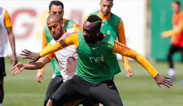 Galatasarayda Evkur Yeni Malatyaspor maçının kadrosu belli oldu