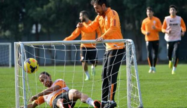 Galatasarayda Trabzonspor mesaisi sürüyor