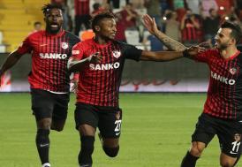 "Gazişehir Gaziantep'in maçları hem gollü hem ""renkli"""