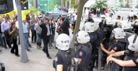 Gezi Parkı'nda yine şafak müdahalesi