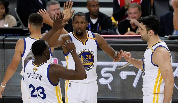 Warriors konferans finalinde öne geçti