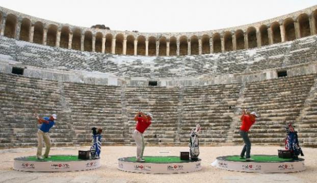Golfte tarihi vuruş