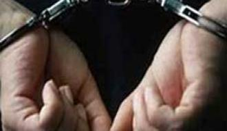 Polis yeleğiyle yankesicilik yapan İranlılar yakalandı