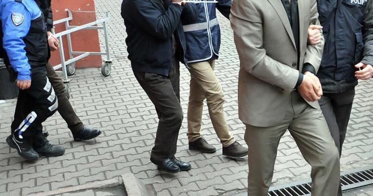 Eski BTK çalışanı 10 kişi gözaltına alındı