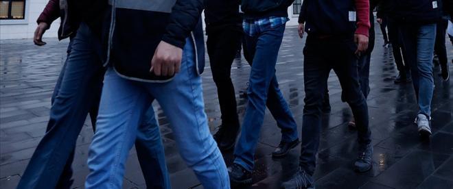 İstanbul merkezli 42 ilde FETÖnün TSK yapılanmasına yönelik soruşturma: 294 gözaltı kararı