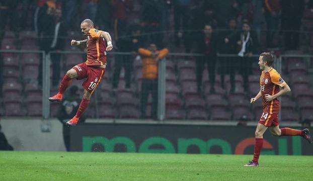 Galatasaray Bursayı 3 golle geçti