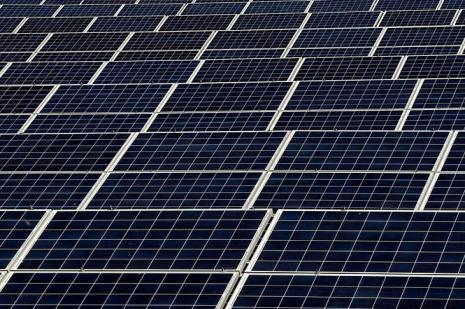 Tesla, güneş enerjili kiremit siparişi alacak