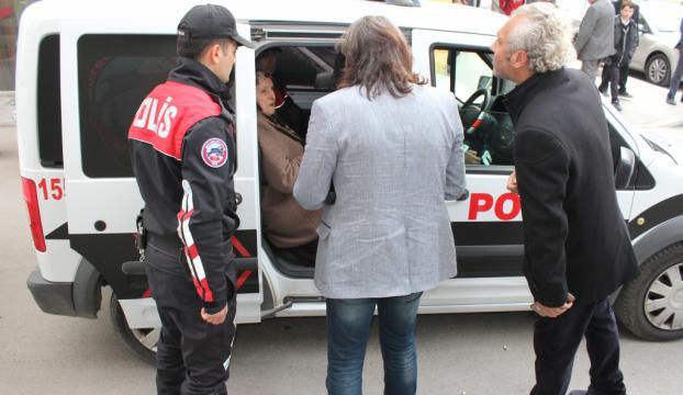"""Yaşlı kadının 187 bin lirasını """"güven timi"""" kurtardı"""