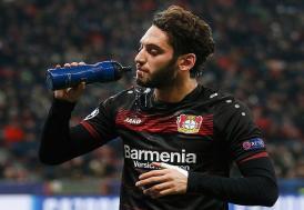 Milan'da Hakan Çalhanoğlu sezonun ilk maçının en iyisi seçildi
