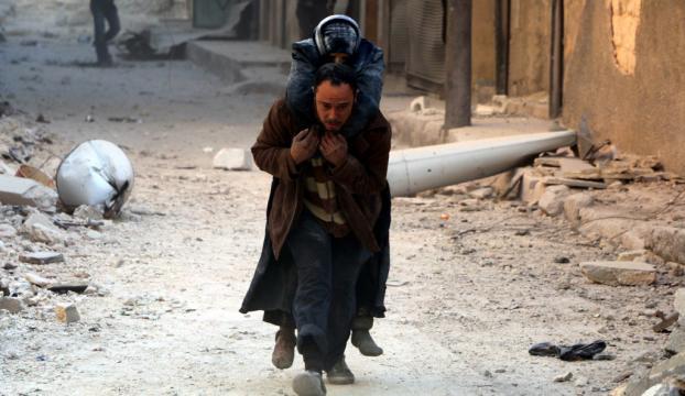 Halepte yerleşim yerine hava saldırısı: 30 ölü