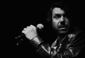 """Şarkıcı Halil Sezai Paracıkoğlu """"silahla kasten yaralama"""" suçundan tutuklandı"""