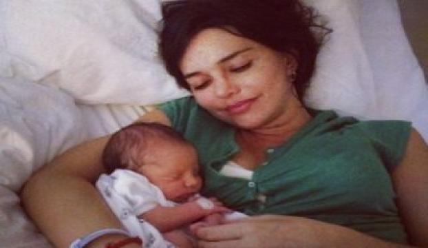 Hande Ataizi anne oldu ve ilk kez konuştu