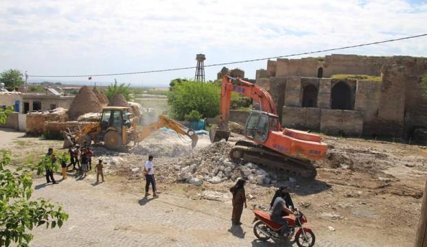 Harranda tarihi dokuya zarar veren yapılar yıkılıyor