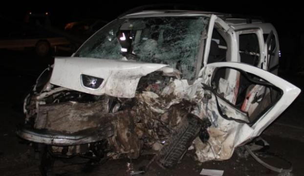 Hatalı sollama ölüm getirdi: 2 ölü, 5 yaralı