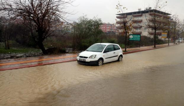 Hatayda şiddetli yağış etkili oldu