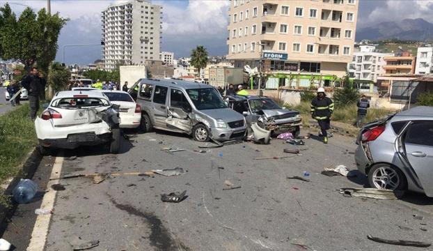 Hatayda feci kaza : 5 ölü, 15 yaralı