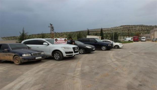 Hatay-Suriye sınırında 10 araç yakalandı