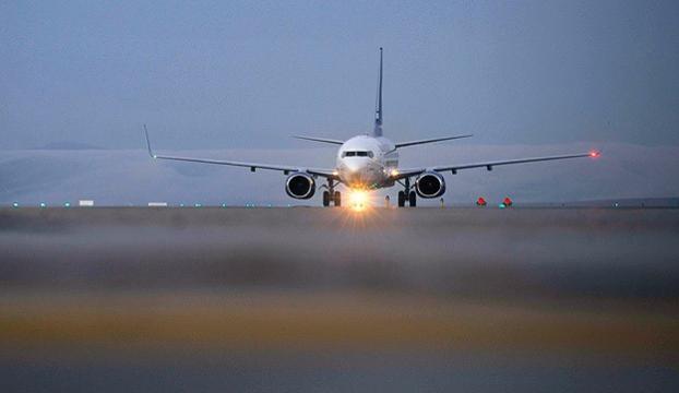 Hollandada uçuşa hazırlanan iki uçak çarpıştı