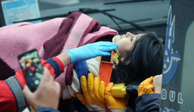 5 yaşındaki Azra Havva Tekgöz 18 saat sonra enkazdan çıkarıldı