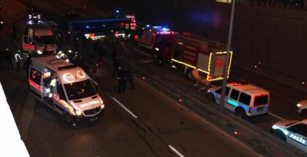 Otomobille halk otobüsü çarpıştı: 5 yaralı