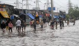 Hindistan'daki yağışların bilançosu artıyor