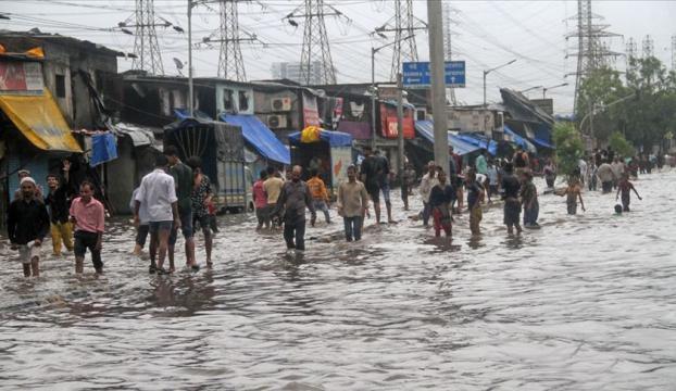 Hindistandaki yağışların bilançosu artıyor