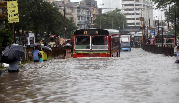 Hindistanda muson yağmurları 709 can aldı