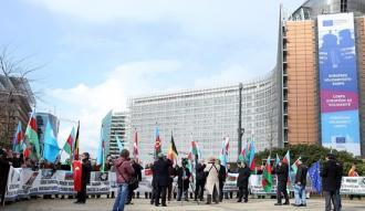 Hocalı Katliamı 25. yılında BM önünde protesto edildi