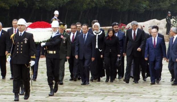 HSYK üyelerinden Anıtkabire Ziyaret