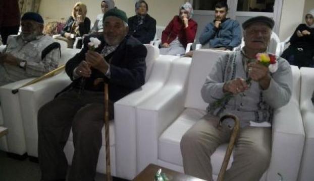 Huzurevi sakinleri düzenlenen etkinlikte eğlendi