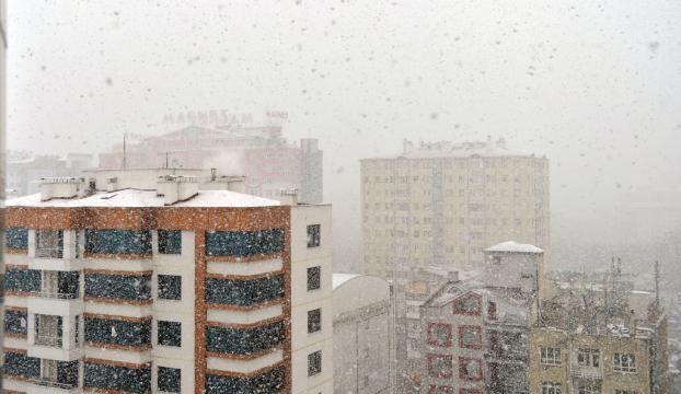 İç Anadoluda kar yağışı etkili oldu