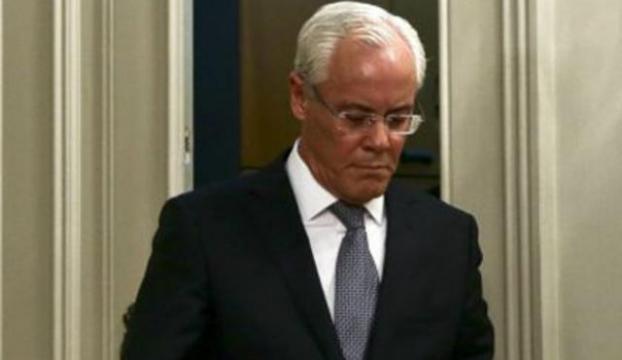 İçişleri Bakanı istifa etti