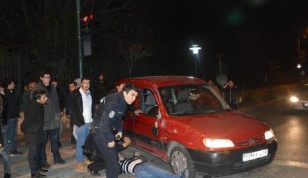 İhbara giden polis kaza yaptı: 2 yaralı