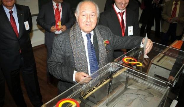 İlk Erdoğan tebrik etti
